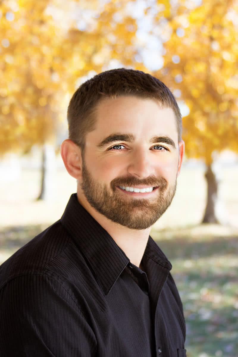 Dr-Zach_headshot3888-web